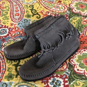 Minnetonka grey Suede moccasins . Size 8